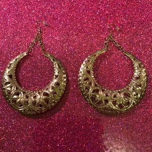 Jewelry - Gold toned hoop dangle filigree earrings
